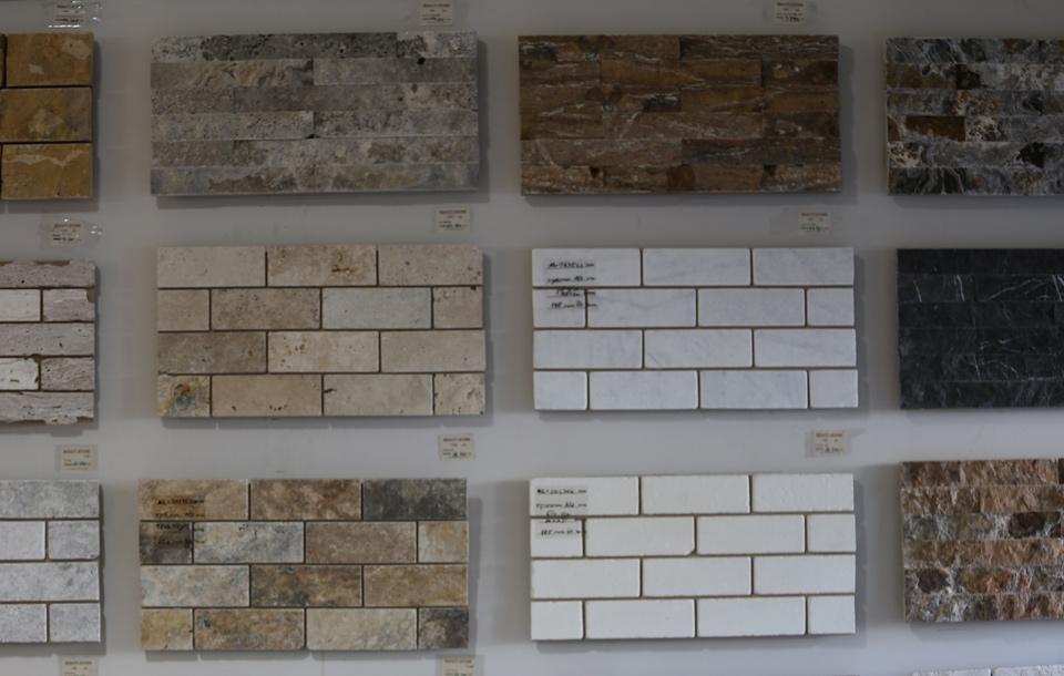 בריקים וחיפויי קירות