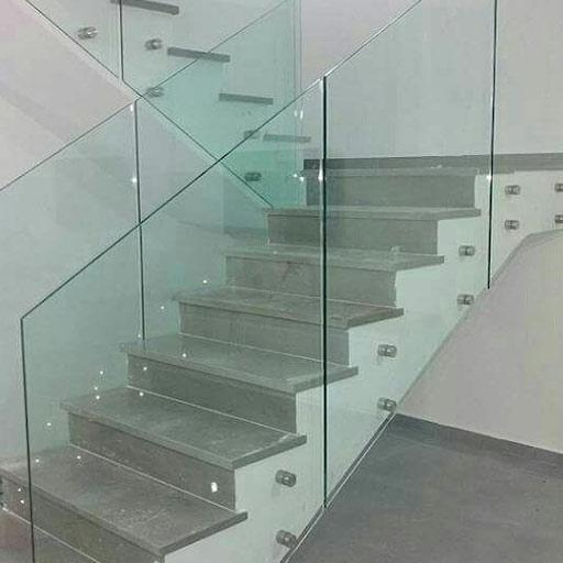 מדרגות שי גריי ברחוב הראל ברוממה בחיפה