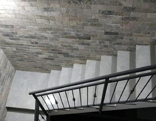 בריקים ומדרגות פורצלן