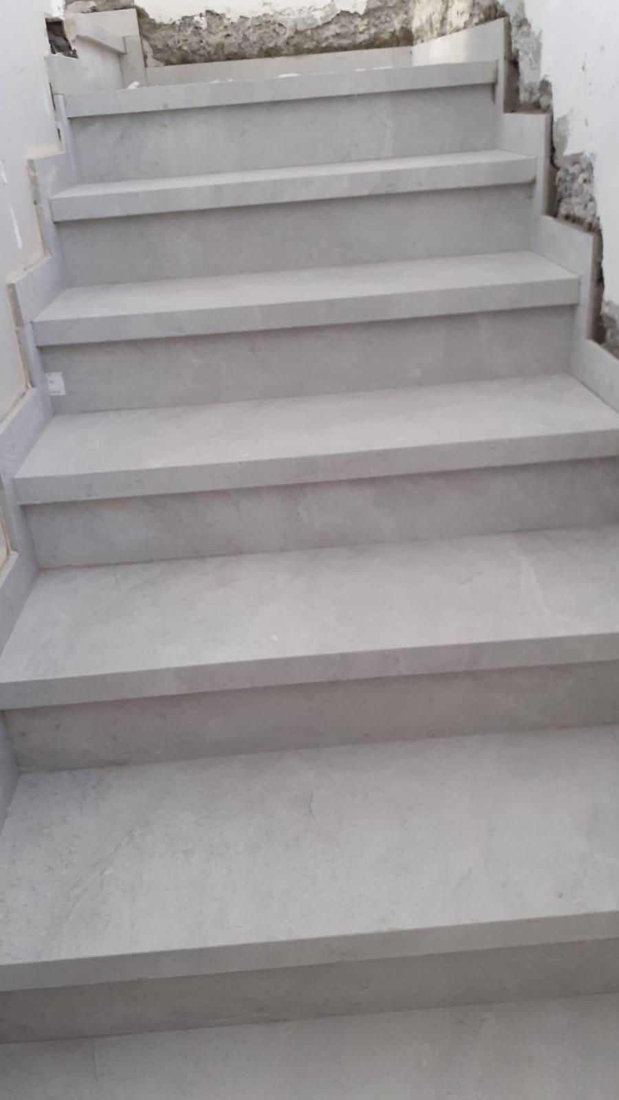 מדרגות פורצלן בית בעתלית